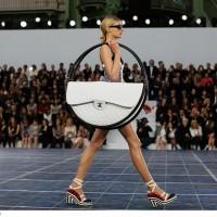 O tym, jak u Chanel pohulali z torebką
