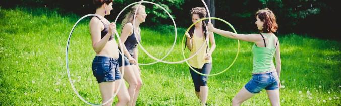 Hula hoop – w pojedynkę czy w grupie?