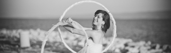 Panna młoda z hula-hoop